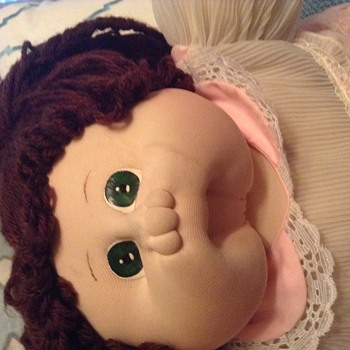 1982 Original Cabbage Patch Doll Soft Sculpture.With Adoption Papers