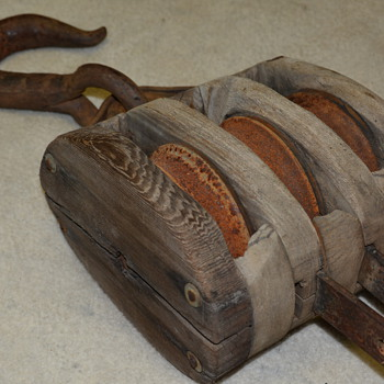 Old Barn find, Triple pulley block and tackle