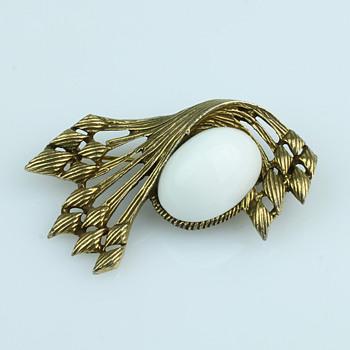 Costume Brooches - Costume Jewelry