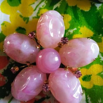 Schreiner pink art glass brooch - Costume Jewelry