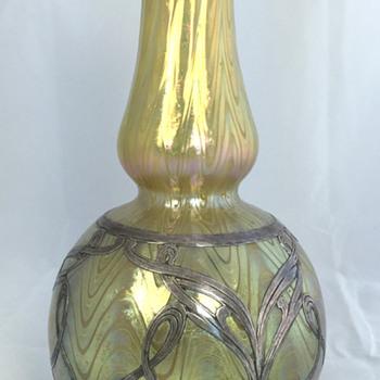 "Loetz Thea ""Phänomen Genre 6893"" Vase. 8.25"" tall. PN I-7492. Circa 1898. - Art Glass"