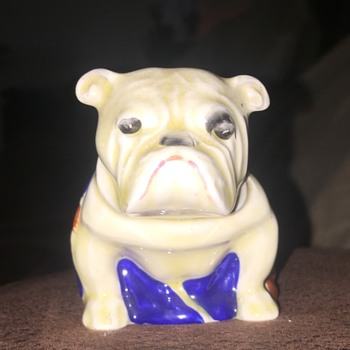 Royal-Doulton ceramic Bulldog - Figurines