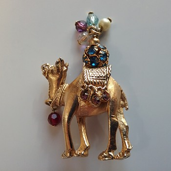 Napier camel brooch  - Animals