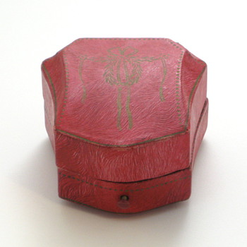 magenta paper ring box - Fine Jewelry