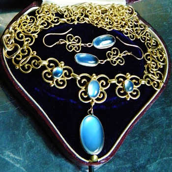 Antique Victorian Celyon Moonstone Butterfly 18k Necklace Earring Demi Parure