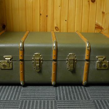 Small travel trunk, Circa 1940-50 - Furniture
