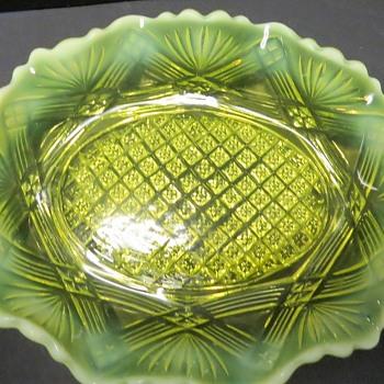 Greener & Co Uranium Glass Dish - Rd 284639 - Glassware