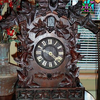 A Frankfield 'American Made' 8-day Cuckoo Mantle Clock