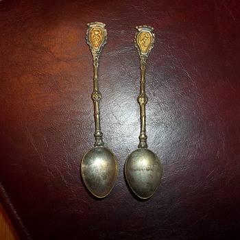 MINATURE SILVER SPOONS