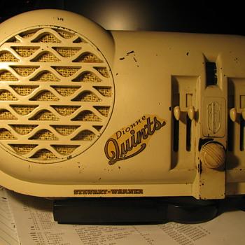 Stewart - Warner Dione Quints Radio #07 - 5B - Radios