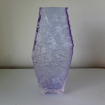 Is this a Geoffrey Baxter Whitefriars lilac/glacier piece from 60's? - Art Glass