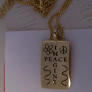 Imagine peace pendant - Costume Jewelry