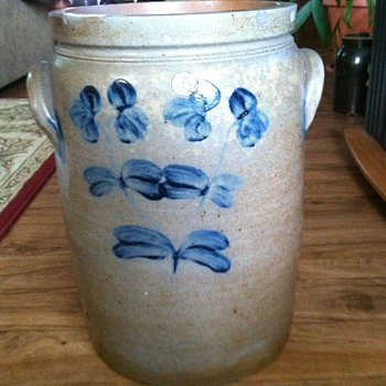 Old unmarked crock - Pottery