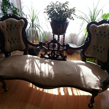 late 1800's Victorian Parlor set - Furniture