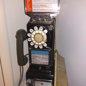 1964 Western Electric pay phone - Telephones