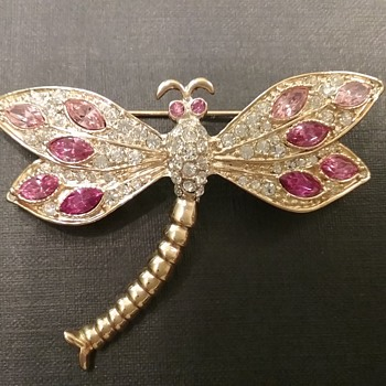 Roman dragonfly brooch  - Costume Jewelry