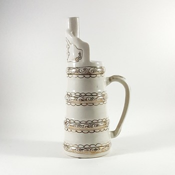 Please help identify - Pottery