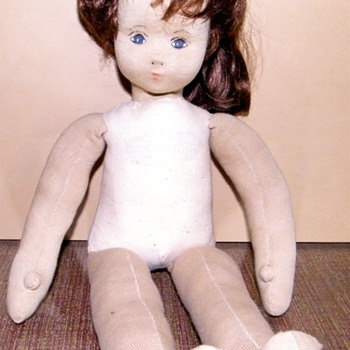 Beautiful German looking doll.  Possibly Antique Ges Gesch German? - Dolls