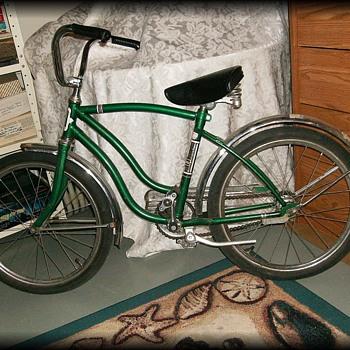OLD GREEN BICYCLE ( bike ) --  Cordoba ( I think )