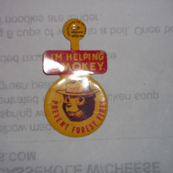 VINTAGE  SMOKY THE BEAR LAPEL BUTTON - Firefighting