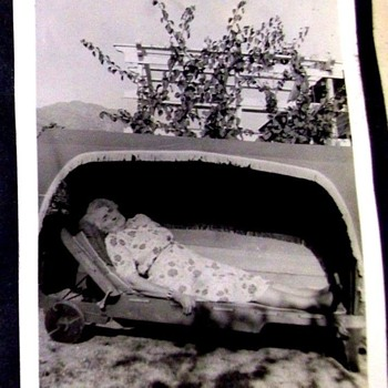 POST MORTEM PHOTO--REALLY FREAKS ME OUT!  WHAT IS SHE IN!! - Photographs