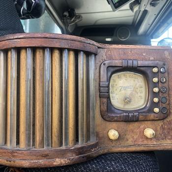 1939 glass rod radio(worlds fairfeatured) - Radios