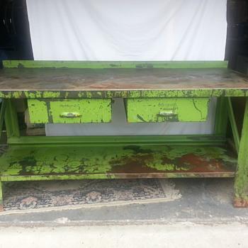 Presteel Work bench - Furniture