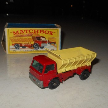 Mesmorizing Metal Matchbox Monday MB 70 Grit Spreading Truck - Model Cars