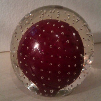 Art glass Paperweight with Tapered bubbles maker? - Art Glass