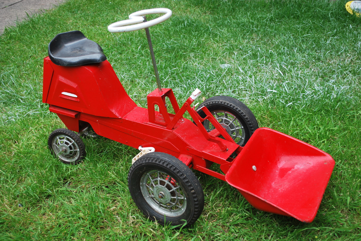 Junior Pedal Tractors Antique : Kids vintage pedal tractor collectors weekly