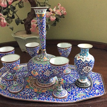 Persian wine set and vase - Pottery