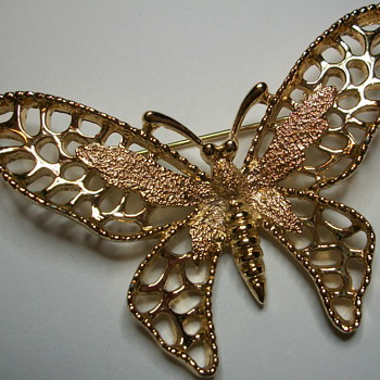Madame Butterfly Brooch - Costume Jewelry