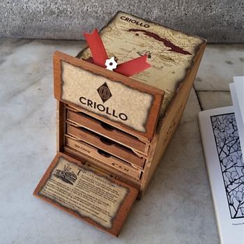 CAO Nicaragua Criollo cigar box, not very old? - Tobacciana