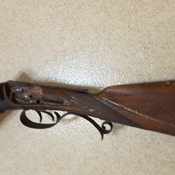 Older Double Barrel Shotgun - Can't FIGURE OUT APPROXIMATELY WHAT YEAR MADE ? BY WHOM - WHAT'S IT WORTH IN THIS CONDITION? - Military and Wartime