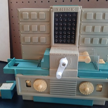Hasbro Think-A-Tron - Toys