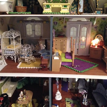 My Victorian Painted Lady Dollhouse bathroom - Dolls