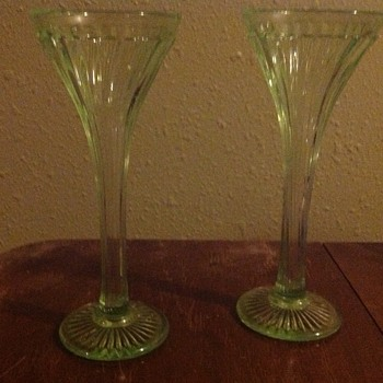"""I have not been able to find anything about this. It's about 9"""" tall - Glassware"""