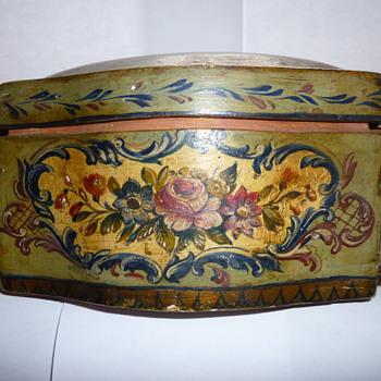 Wooden lacquer box - Victorian Era