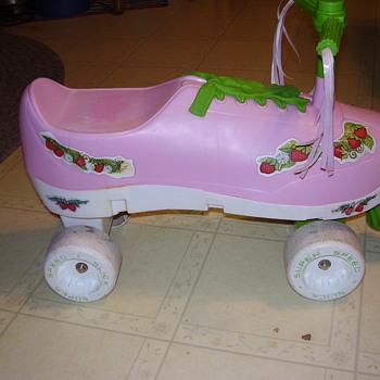processed plastic # 1880 strawberry shortcake riding toy??? - Toys