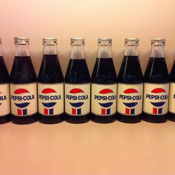 6 1/2oz Pepsi Soda Bottle manufactured in canada - Bottles