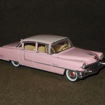 Greenlight Collectibles Hollywood Elvis 1955 Cadillac Fleetwood Series 60 1:64 Scale - Model Cars