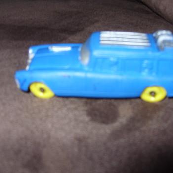 auburn rubber stationwagon  - Toys