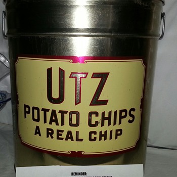 UTZ POTATO CHIPS... A REAL CHIP OF HANOVER, PA - Advertising