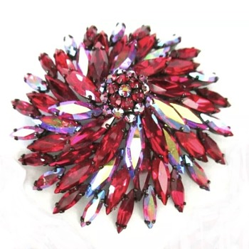 Siam Large mounded Brooch - Costume Jewelry
