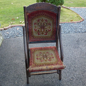 Any ideas on style or period on this folding chair from my mother? - Furniture