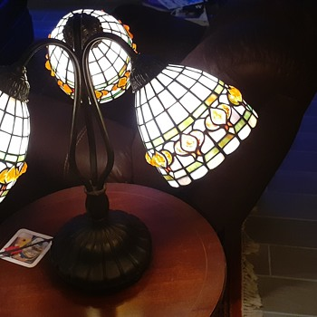 Picked up a lamp today- Shop owner said it was Quoizel. Can't find it anywhere - Lamps