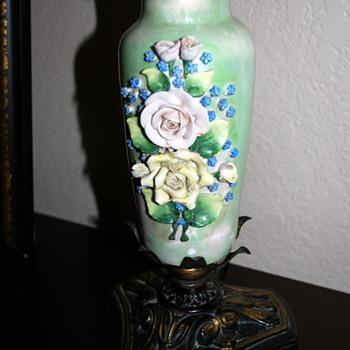 Beautiful porcelain Rose lamp - Lamps