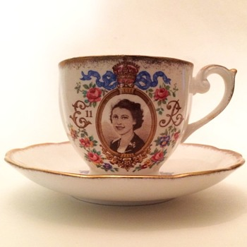 Sapphire Jubilee, Queen Elizabeth II - Part 2 - China and Dinnerware
