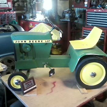 pedal tractors - Tractors