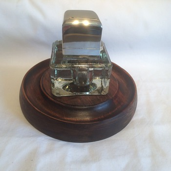 Table inkwell on wooden drip tray, silver top by Sampson Mordan - Silver